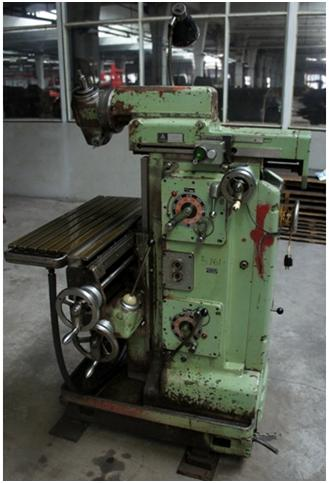 UNIVERSAL MILLING MACHINE FN 25  TOS